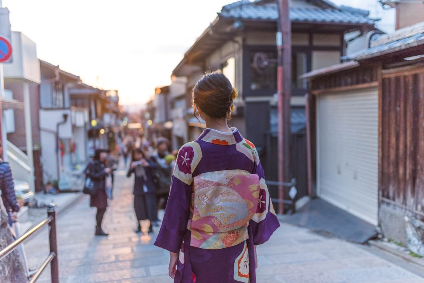 愛媛県名産の着物の伊予絣は高く売れる?