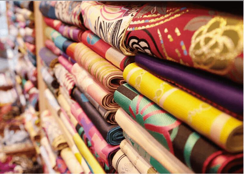 観光用着物・レトロな着物からイマドキの着物まで1000着以上の豊富な品揃え!
